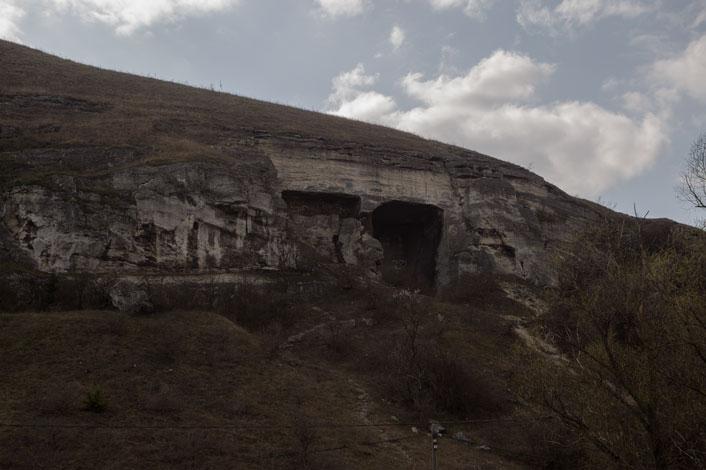Zelezna Baba barlang, Sóskút